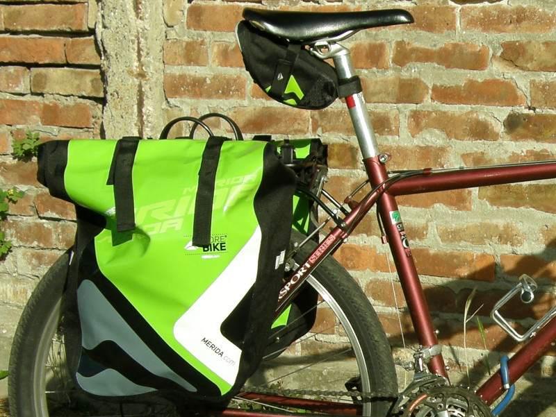 dca5813501de Rikító zöld és fekete - Hol kerékpározzak? Kerékpártúrák ...